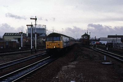 47629 arrives at Banbury with 1S39 0900 Poole - Glasgow Central (04/03/1989)