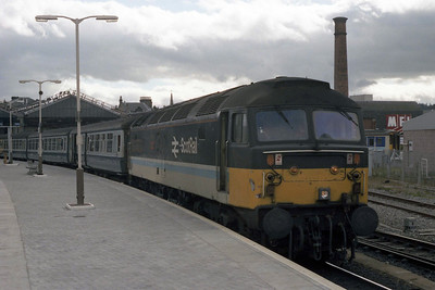 47704 'Dunedin' awaits departure from Inverness with 1A58 1758 to Abderdeen (11/07/1990)