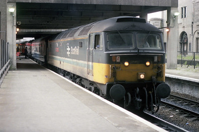 47710 'Sir Walter Scott' waits to leave Aberdeen with 1H25 0738 to Inverness. Prior to the Summer of 1990 'Shoves' had never been a common sight on these trains (12/07/1990)
