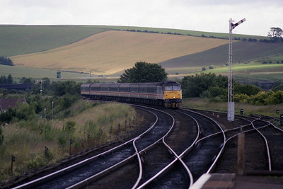 47617 'University of Stirling' approaches Stonehaven with 1V59 0900 Aberdeen-Plymouth (10/07/1990)