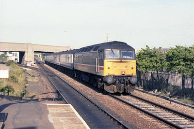 47550 coasts into Elgin with the 1715 Aberdeen-Inverness (13/07/1990)