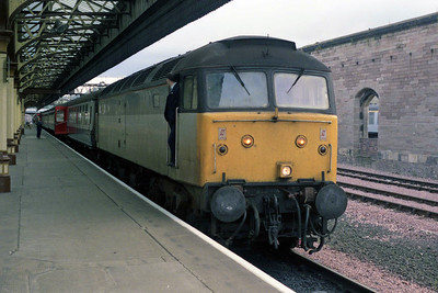 My 'last ever' (been here before, haven't we?) week in Scotland got off to a cracking start: having obviously got lost , railfreight-liveried 47605 calls at Perth with 1S59 0835 Euston-Inverness (24/09/1990)