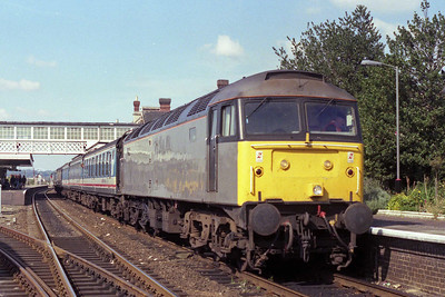 47332 waits time at Sleaford with the SO 1D17 0919 Sheffield-Skegness via Worksop (08/09/1990)