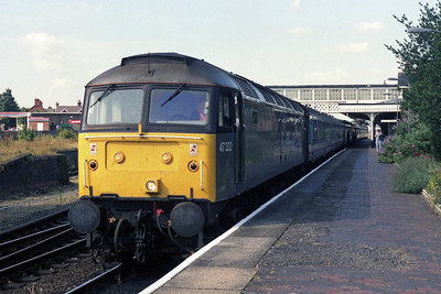 Another view of departmental grey-liveried 47332 at Sleaford with 1D17 (08/09/1990)