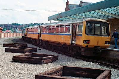 143 622 at Whitby on 24th June 1991