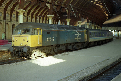 47512 pauses beneath the famous roof in Platform 5 at York station with 1M94 0816 Newcastle-Liverpool (03/01/1991)