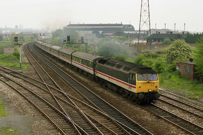 47520 accelerates past Lenton South Junction with 1T30 0845 Nottingham-Wembley Central. The occasion was the FA Cup Final between Forest and Tottenham Hotspur (18/05/1991)