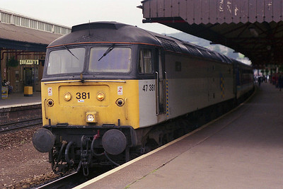 47381 calls at Bath with 2V87, on what was to prove the only occasion on which I travelled behind a loco that had eluded me on several occasions in the past (07/08/1991)