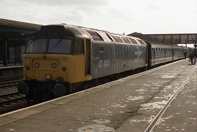 47441 is pictured on arrival at Oxford with 1F12 1020 ex-London Paddington (02/11/1991)