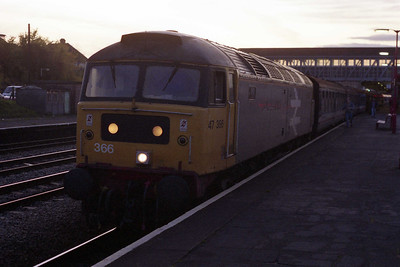 It's almost dark as 47366 waits to depart from Newbury with 1F73. The ones you don't expect are always the best... (08/11/1991)