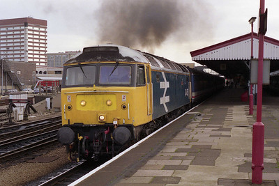 47457 'Gazelle' storms away from Reading with 1F08 0820 Paddington-Oxford (02/11/1991)