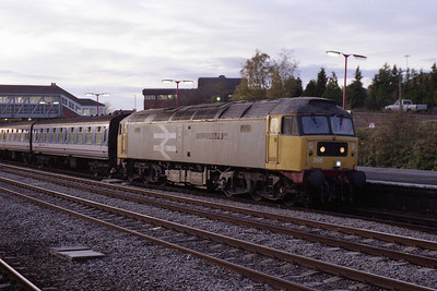Having run round, the one-time 'Institution of Civil Engineers' waits to return to London with 1F73 1633 Newbury-Paddington (08/11/1991)