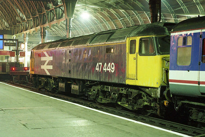 An alternative view of 47449 at Paddington after working 1F91. Considering these two shots involved using a luggage trolley as a makeshift tripod they haven't turned out too bad at all (05/11/1991)