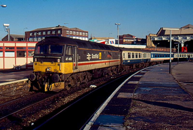 47492 at Manchester Victoria about to work the 12:48 to Barrow in Furness 19/01/91. This was the last day these trains were loco hauled, they were operated by Class 156 units from the Monday morning.