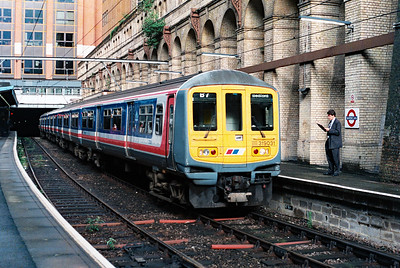319 031 at Barbican on 19th June 1992
