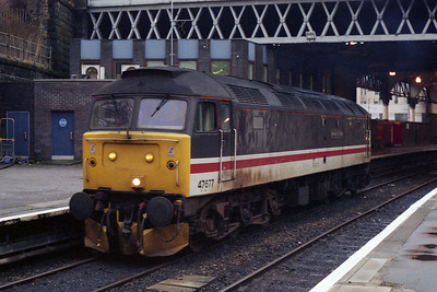 Having been shunt-released, 47677 is seen at Queen Street during what may have been the last visit by a '47' on a passenger train (05/01/1992)