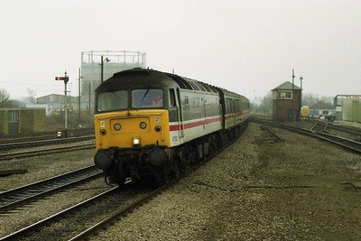47812 emerges from the gloom at Banbury with 1S76 0918 Brighton-Glasgow Central (08/02/1992)