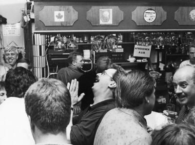 Smartlappenfestival van de Slurfers bij café Goossens