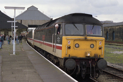47528 'The Queens Own Mercian Yeomanry' waits for the 'right away' from Blackburn with the diverted 1M25 1118 Glasgow-Euston (24/04/1993)