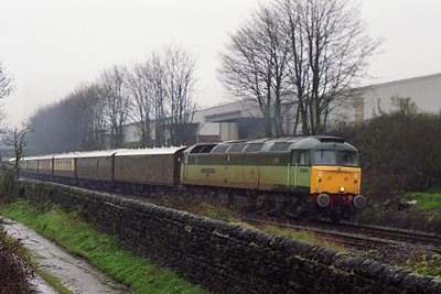 47833 'Captain Peter Manisty RN' passes through Bingley with a return 'VSOE' charter from Appleby to Barnsley (09/04/1993)