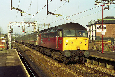 47625 'Resplendent' arrives at Macclesfield with an 1150 Manchester Piccadilly to Brimingham New Street relief service (03/01/1993)