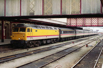 47803 awaits departure from Sheffield with 1C42 1721 to London St Pancras, a train which was booked for loco and coaches during a ten-day period of resignalling work at Kentish Town (25/08/1993)