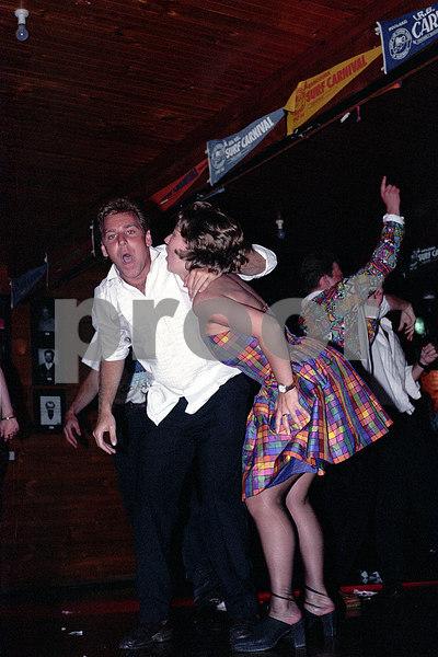 1994-11 26th Gambling - Andrew & Caroline Hewitt