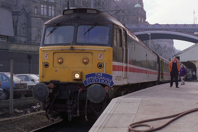 47820 is pictured on arrival at Edinburgh Waverley with Rail UK's 1Z09 0640 charter from Cleethorpes via the 'S&C' (19/02/1994)