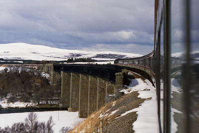 47820 races across the majestic Findhorn Viaduct against a backdrop of snow-covered mountain scenery. Priceless... (19/03/1994)