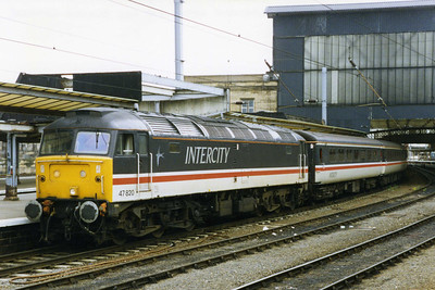Later that afternoon 47820 awaits departure from Carlisle with the 1655 return leg to Lincoln, which was to provide me with my first '47' over the stretch of line between Nottingham and Newark (11/06/1994)