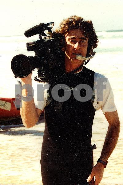 1996-01 UT - cameraman