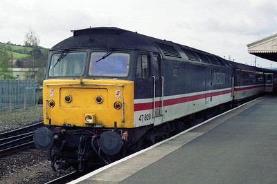 Later that afternoon, 47828 is pictured on arrival at Exeter St Davids with 1V49 0943 ex-York (15/04/1995)