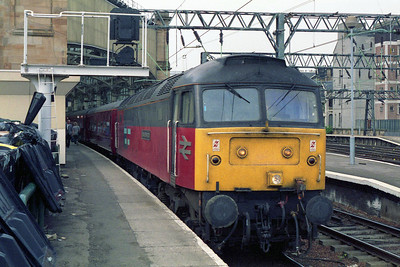 Later that afternoon 47774 is pictured again at Glasgow Central at the head of the 1645 return charter to Sheffield (06/05/1995)
