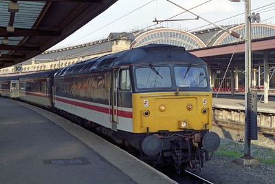 47851 awaits departure from York with 1V65 1643 to Bristol Temple Meads (10/10/1995)