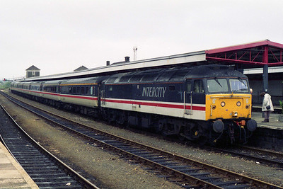 47830 awaits departure from Plymouth with 1M56 1044 to Manchester Piccadilly (09/10/1995)
