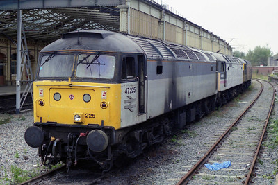 A month after one of my earlier photos of this locomotive, 47225 was still languishing in the sidings at the rear of Crewe station (30/09/1995)