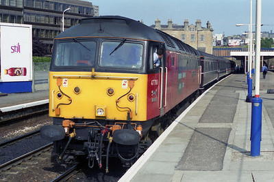 47788 'Captain Peter Manisty' awaits the 'right away' from Haymarket with 1H15. Unfortunately this was as far as I could go and still get back to Waverley for '778 but it's better than nothing (19/08/1995)