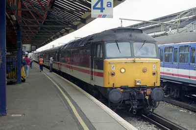 47841 'The Institution of Mechanical Engineers' awaits departure from Ramsgate with 1M79 1348 to Birmingham New Street. This was a dated service that ran via the WCML to Willesden on just six Saturdays during the summer holidays (26/08/1995)