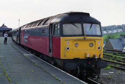 47761 calls briefly at Plymouth for a crew-change with 1Z56 1602 Penzance - Birmingham return charter (11/05/1996)