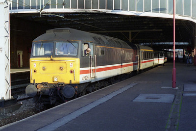 Later that evening, 47829 calls at Stoke-on-Trent with 1M50 1420 Brighton - Manchester Piccadilly (04/05/1996)