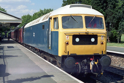 Later that afternoon 47105 is seen again at Toddington before working the 1600 to Far Stanley (22/07/1996)