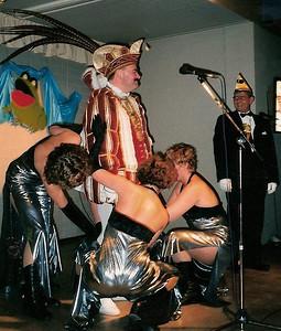 Kuiten masseren bij de zitting van Kiek ze Kieke in de Ark