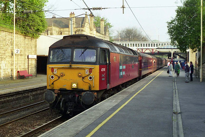 47741 arrives at Bingley with 1Z51 0614 Giggleswick - Edinburgh 'Green Express' charter. I believe this was the first '47'-hauled passenger train to call here since 1990 (03/05/1997)