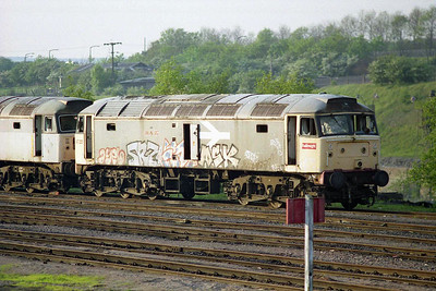 A telephoto shot of 47325 at the head of the Tinsley scrap line (02/05/1997)