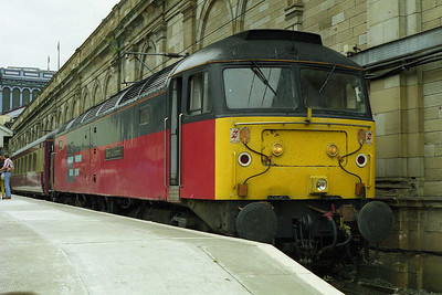 Several hours later 47792 is pictured again on arrival at Edinburgh Waverley after an outward run via the S&C and Beattock (02/081997)