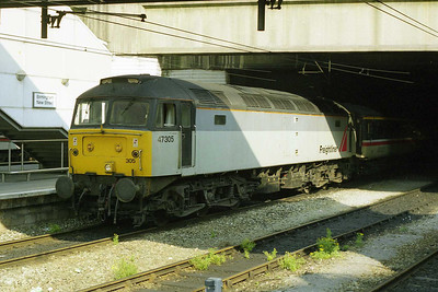 An hour or so later, 47305 is pictured again having arrived at Birmingham New Street with 1E27. The loco was removed here but then worked back south with 1O13 (10/08/1997)