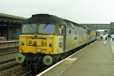 47314+47540 pause briefly at Oxford with 1E27 1303 Poole - York (17/08/1997)