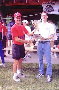 1998 Races - 1998 Elk/Beaver Ultras - RD Reid presents the trophy to 100K winner Andy Jones