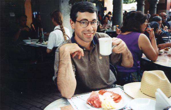 Breakfast in the Zona Rosa in Mexico City.