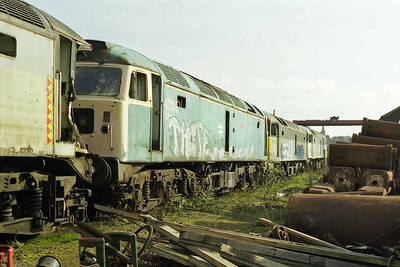 In this view 'BR blue' 47096 is flanked by crash-damaged 47222 (left) and 47321. 47291 heads the line (15/03/1998)